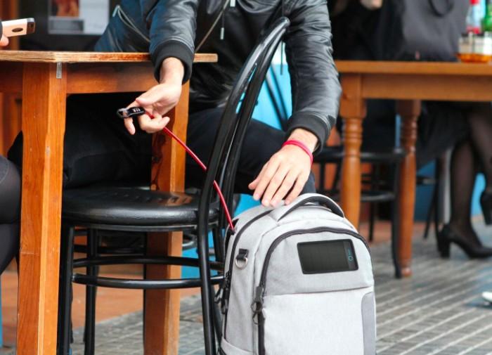 加拿大 Lifepack 太陽能防盜防水背包 -20