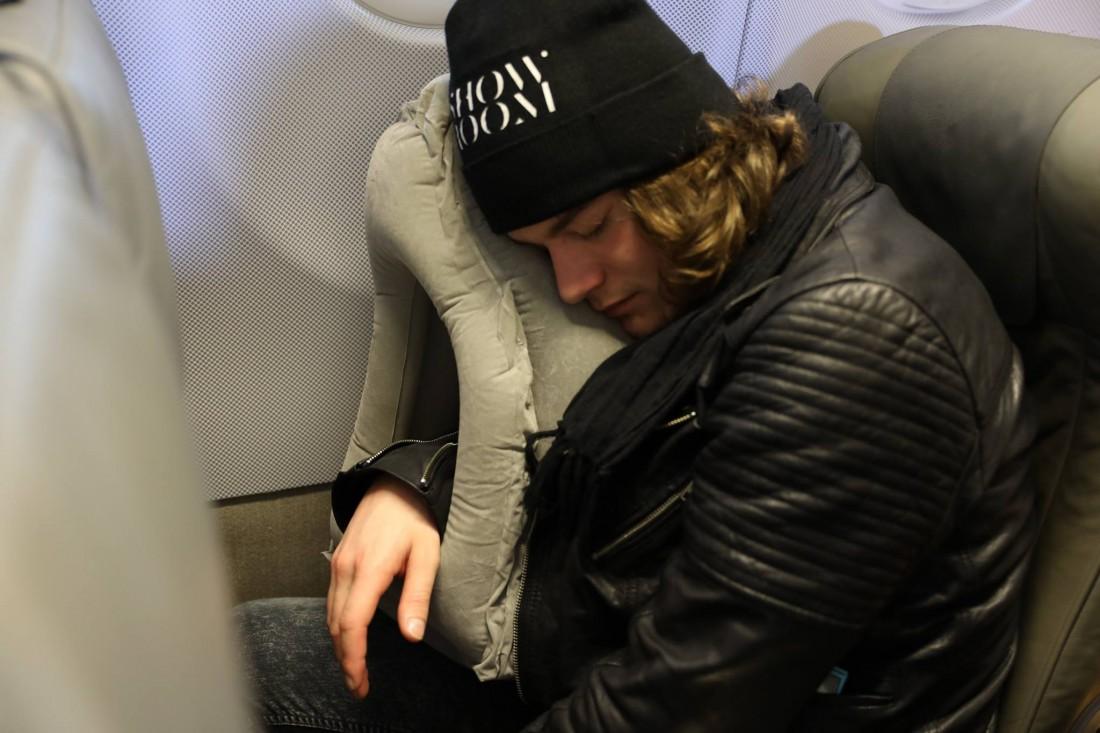 Pockindo多用途旅行枕頭-12