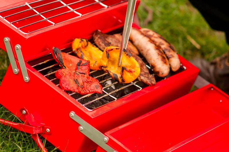 英國 SUCK UK 手提式燒烤爐06
