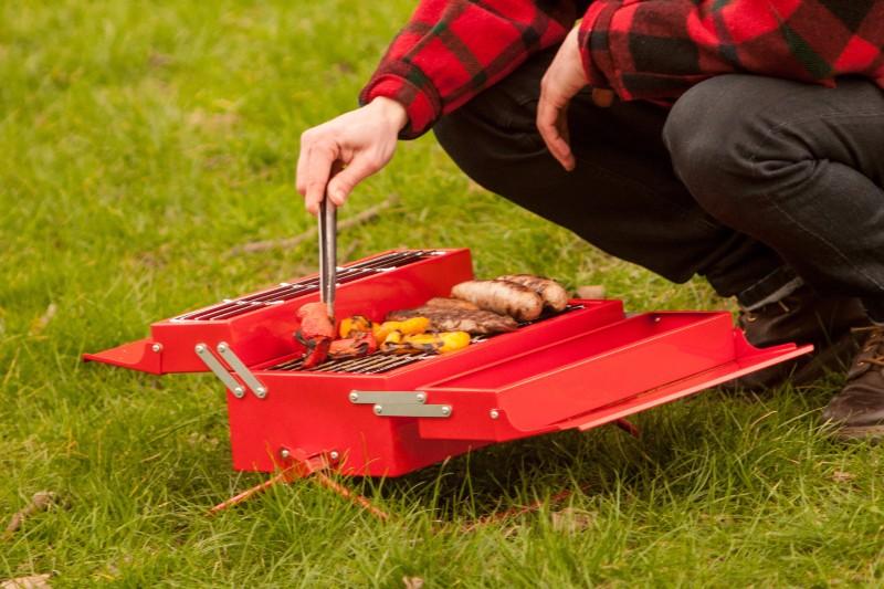 英國 SUCK UK 手提式燒烤爐07