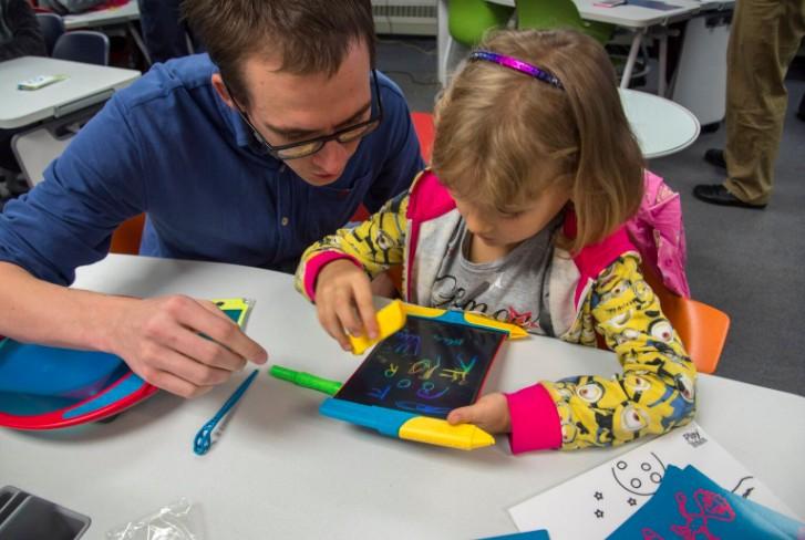 美國 Scibble n' Play 兒童彩色手寫塗鴉板6