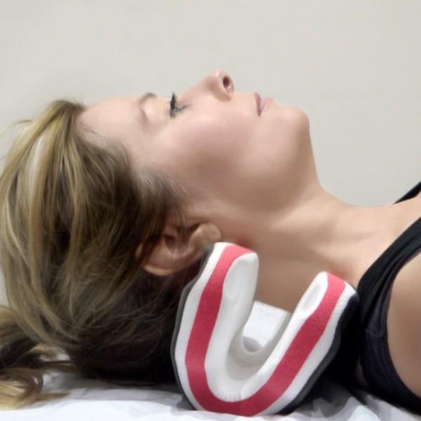 英國 necksaviour 頸部伸展器 cover photo