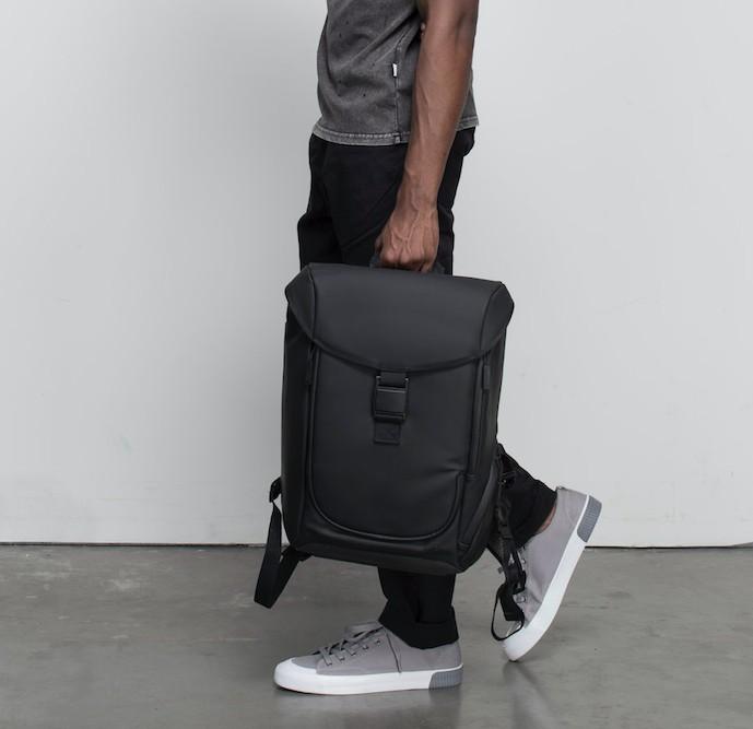 Zero-G Backpack 首款減重背包 5
