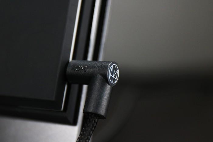 HOMI 鋁鎂合金手機無線充電座3