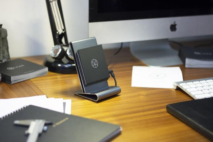 HOMI 鋁鎂合金手機無線充電座5