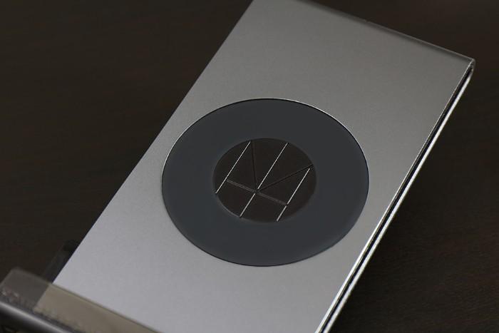 Multi dock- HOMI 鋁鎂合金手機無線充電座2