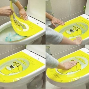 pontu-sticker-toilet-plunger-unclogs-toilets-by-pushing-down-thumb