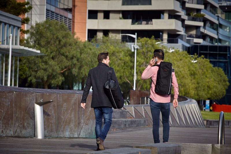 31澳洲Henty Design 多功能旅行包