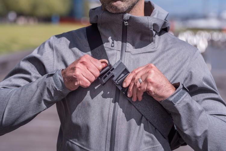 22澳洲Air Sling多功能防盜便攜側肩包