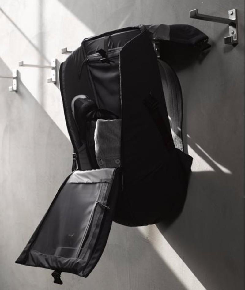 4加拿大LOCKER PACK 極簡機能背包