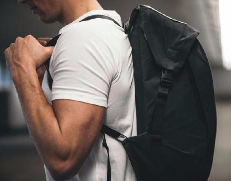 6加拿大LOCKER PACK 極簡機能背包