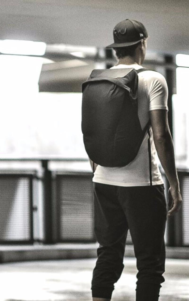 8加拿大LOCKER PACK 極簡機能背包