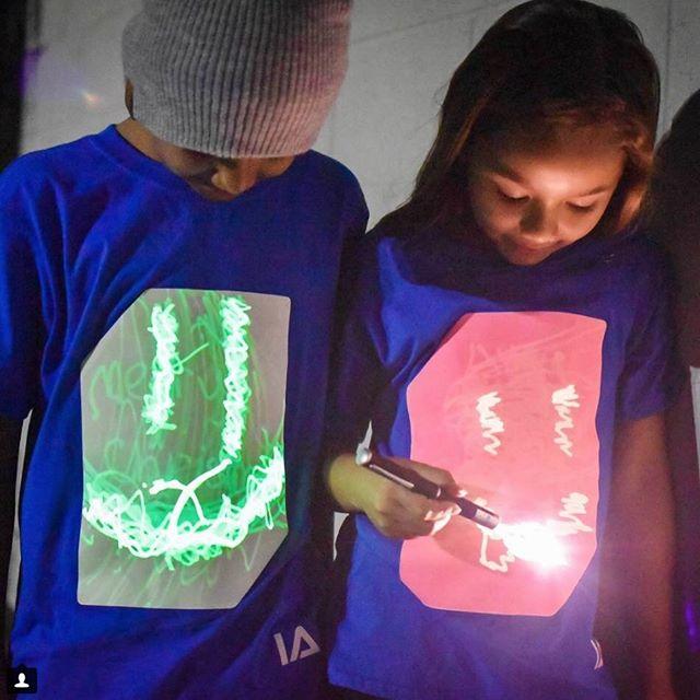 英國 Illuminated Apparel 螢光塗鴉T恤14