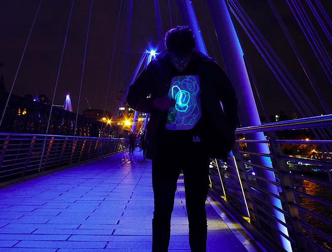 英國 Illuminated Apparel 螢光塗鴉T恤22
