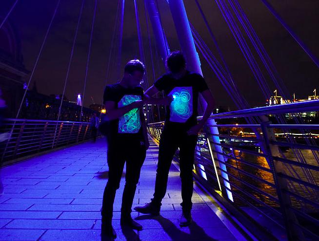 英國 Illuminated Apparel 螢光塗鴉T恤23