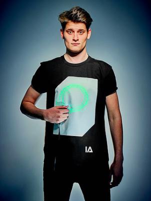 英國 Illuminated Apparel 螢光塗鴉T恤24