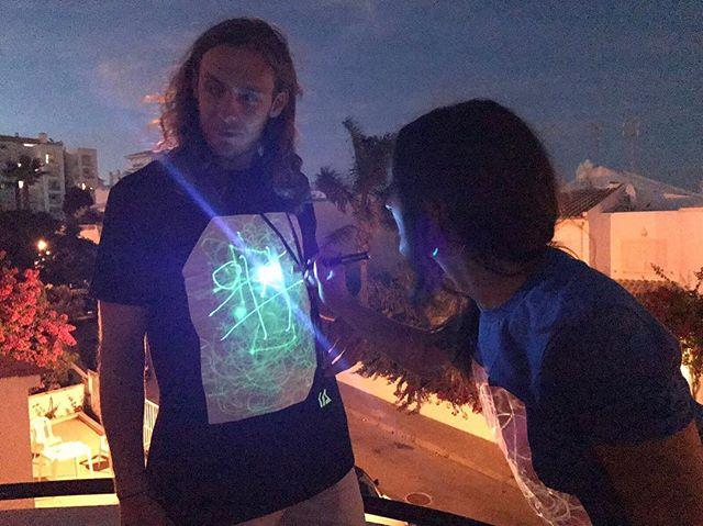 英國 Illuminated Apparel 螢光塗鴉T恤6