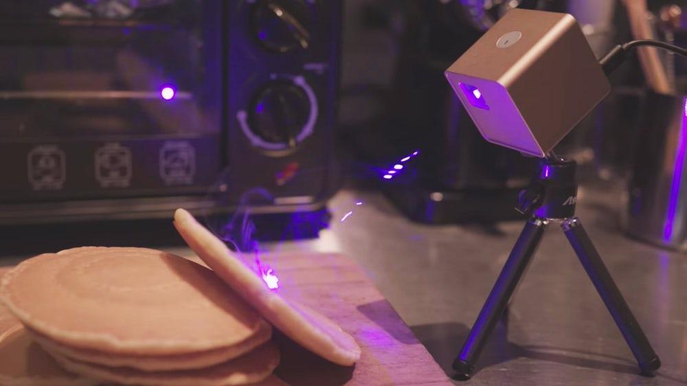 台灣 Cubiio 世界第一台 掌上雷射雕刻機cubliio-laser-engraver-1