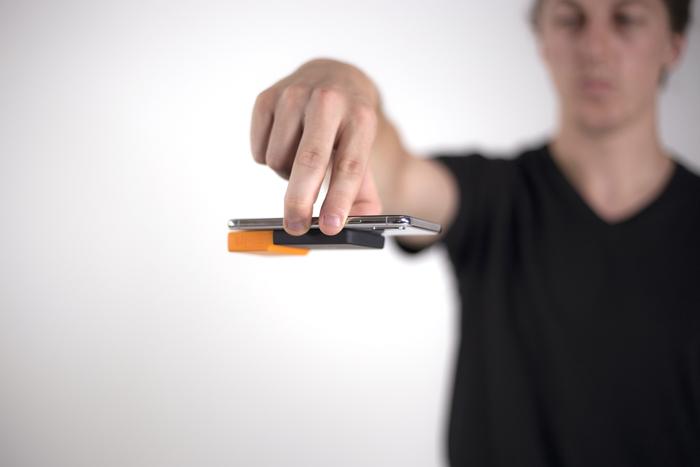美國 BricksPower 納米吸附 無線充電器7