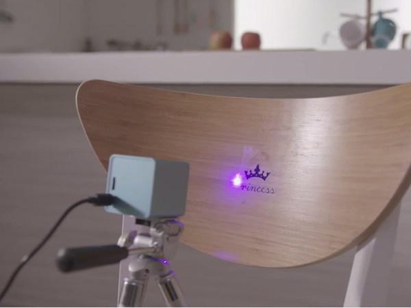 11台灣Cubiio 世界第一台掌上雷射雕刻機