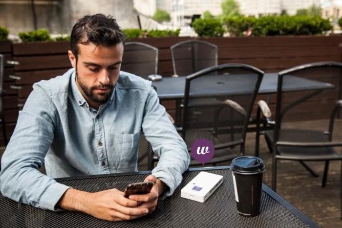 Fonebud W 全球4G Wi-Fi 熱點 充電器60