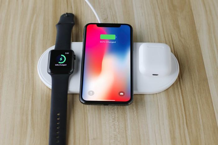 Plux 蘋果3合1 無線充電板4