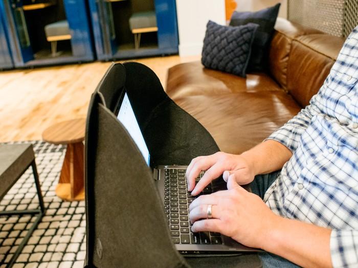 美國 ALCOVE 電腦私隱 保護罩23