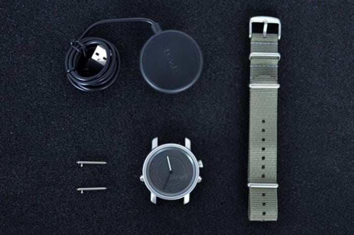 Lunar 首款 太陽能充電 智能手錶6