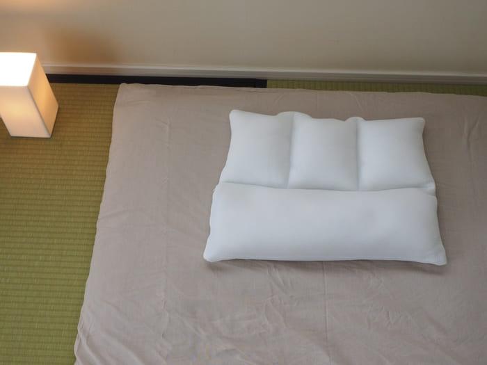 日本 TRIRIA 柔軟珪璪土 枕頭17