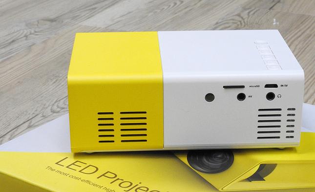 YG300手機大小投影機11