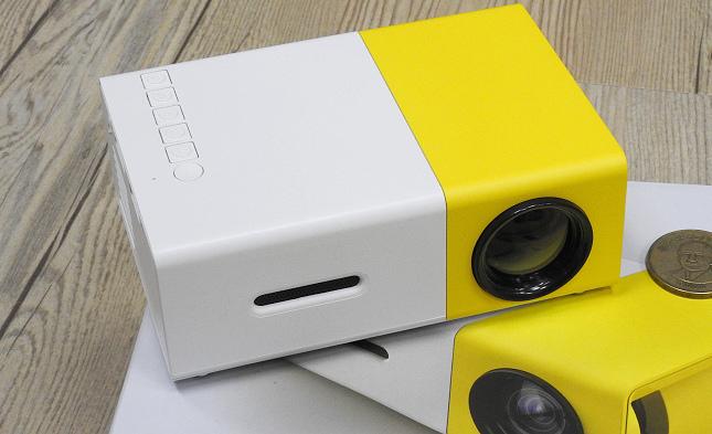 YG300手機大小投影機13