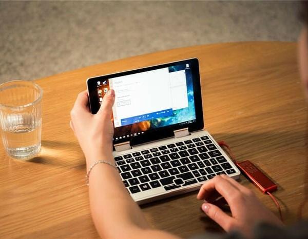 Falcon 全球最迷你 口袋筆電