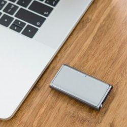 CheerPod 迷你4合1智慧滑鼠 集滑鼠 + 觸控板 + 遙控器 + 雷射指示器於一身!